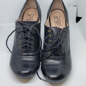 Miz Mooz Joey black leather booties 7.5